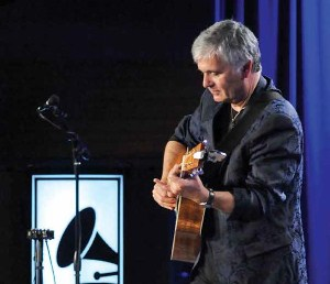Laurence Juber String Theory